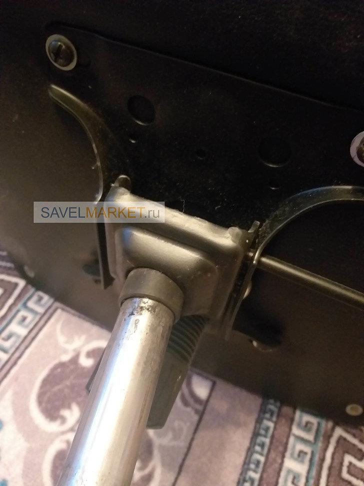 У кресла на механизме качания G008 (Топ-ган 150х200 мм.) выломался стакан крепления газлифта, и сидение кресла начало крениться в разные стороны, Savelmarket.ru - магазин запчастей для офисных кресел