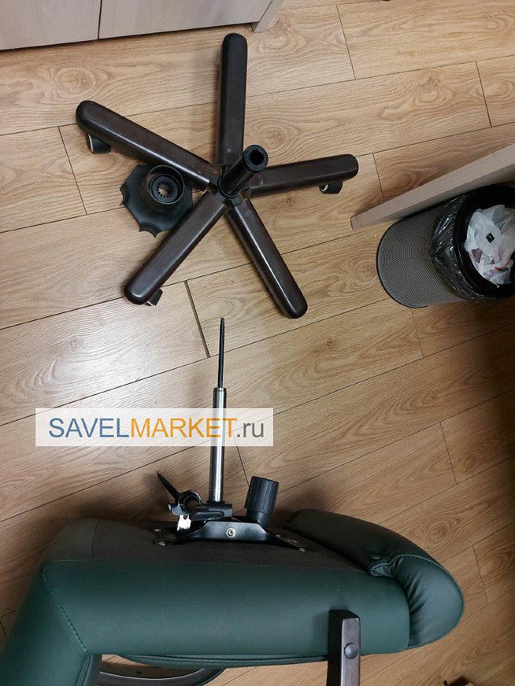 Мастер SavelMarket.ru провел ремонтные работы: демонтировал сломанный газлифт: стакан газлифта из крестовины, поршень газлифта из Топ-гана, установил новый газлифт.