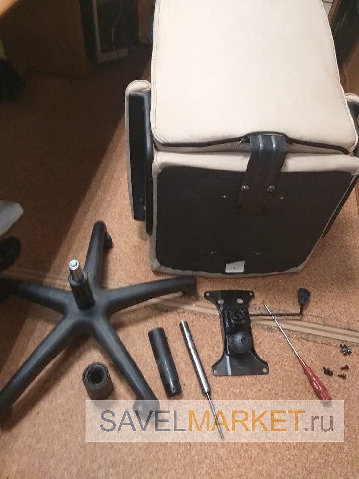 мастер установил усиленный газлифт на компьютерное кресло