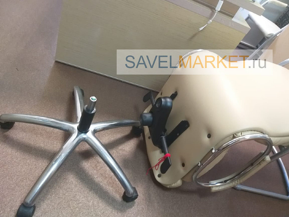 Мастер установил новый усиленный газлифт на кресло, Savelmarket