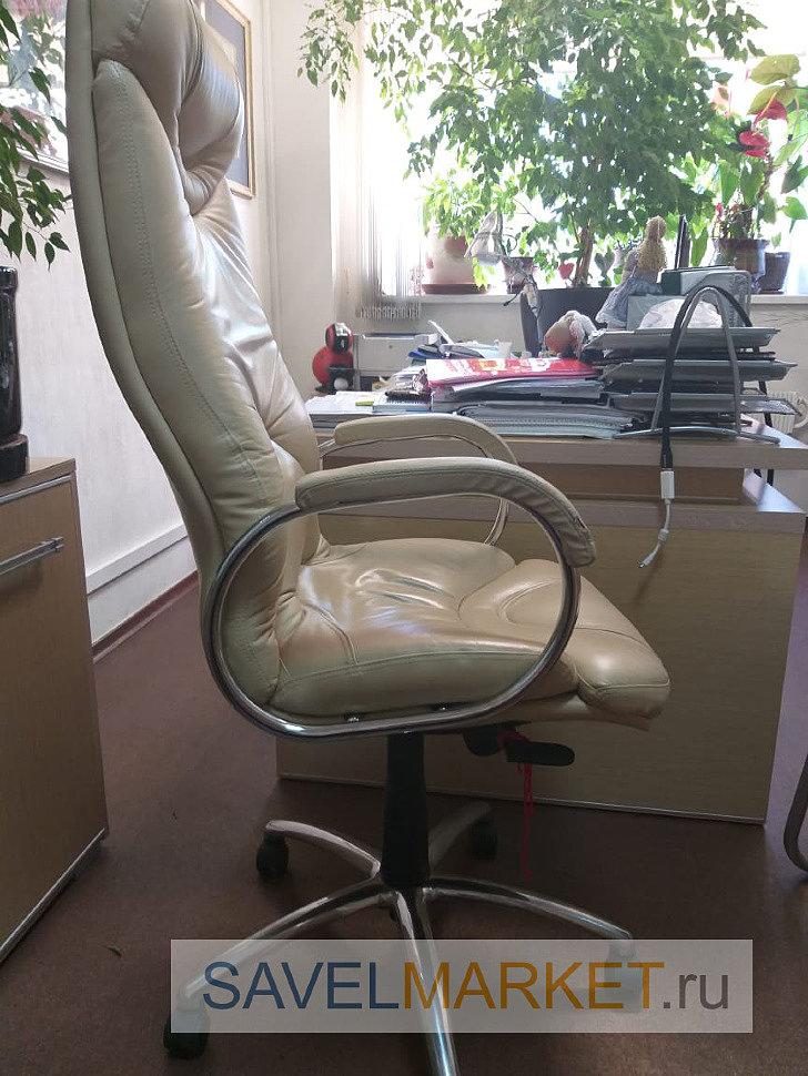 Кожаное компьютерное кресло отремонтировано, установлен средний усиленный газлифт 3 класса
