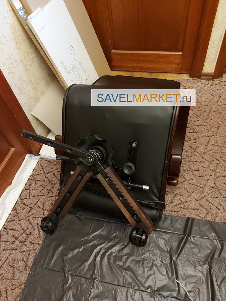 Ремонт большого кожаного кресла - замена крестовины с деревянными накладками