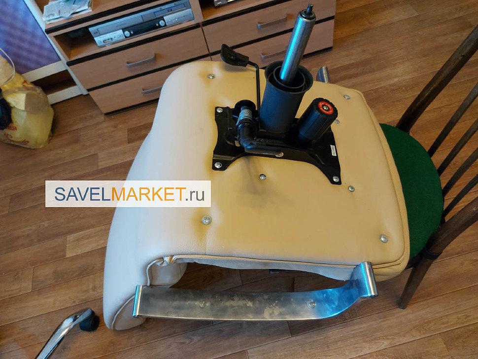 savelmarket ru - Мастер провел ремонтные работы: демонтировал сломанный Топган и сломанный газлифт, установил новые механизмы