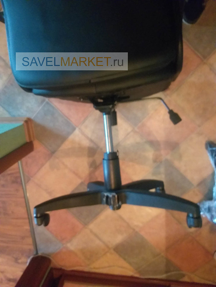 Наш оператор Savelmarket.ru принял заявку на ремонт компьютерного кресла в Москве. У кресла на классической крестовине Америка откололся один луч.