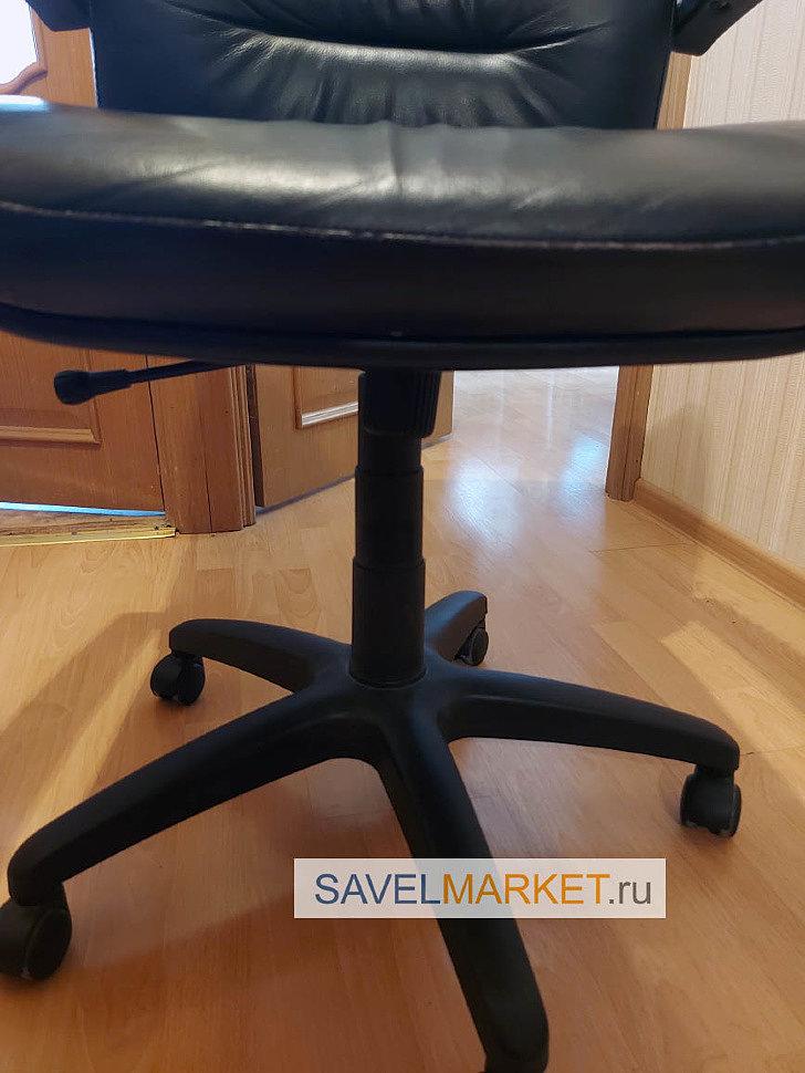 Ремонт кресла в Москве мастером Savelmarket - заказчик выбрал вместо газлифта 100 200 более высокий усиленный газлифт 3 класса 140 240 с повышенной рабочей нагрузкой.]