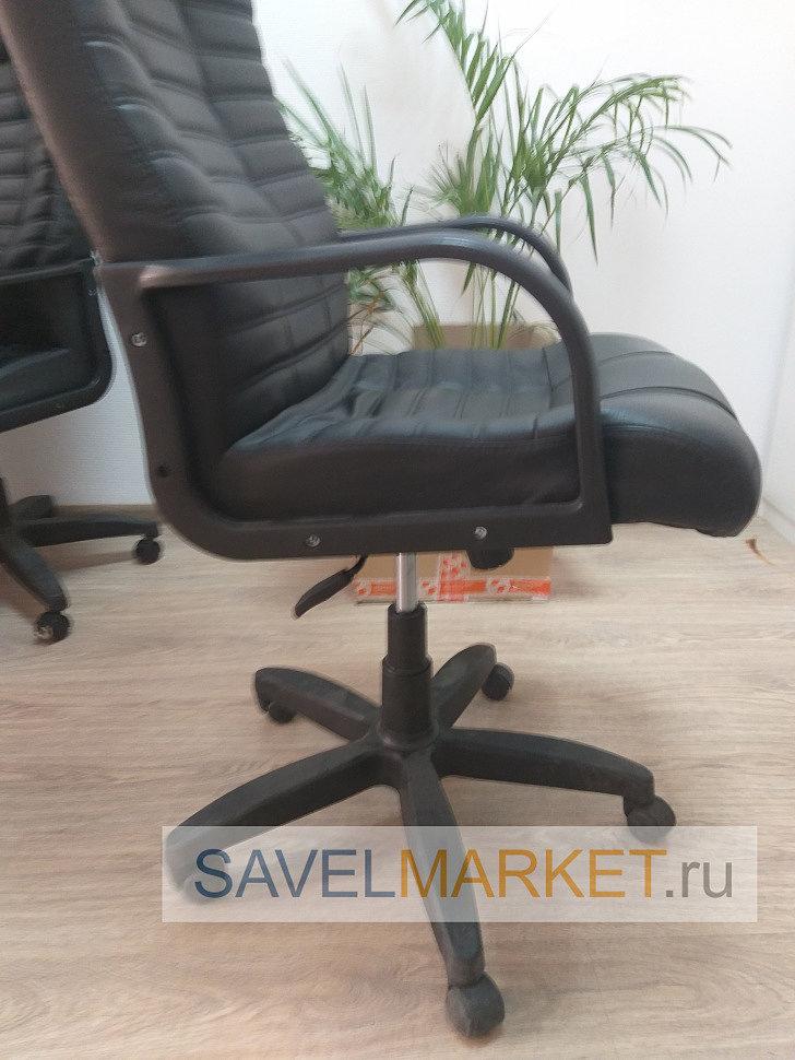 Мастер СавелМаркет отремонтировал кресло